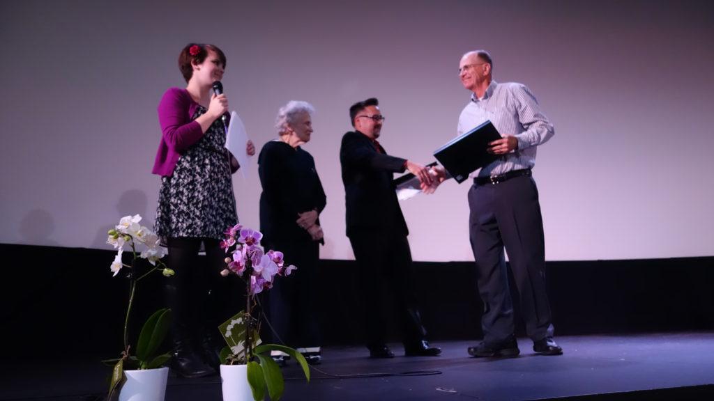 Jerry Stewart receives the 2016 Extraordinary Volunteer Grocery Shopper award!